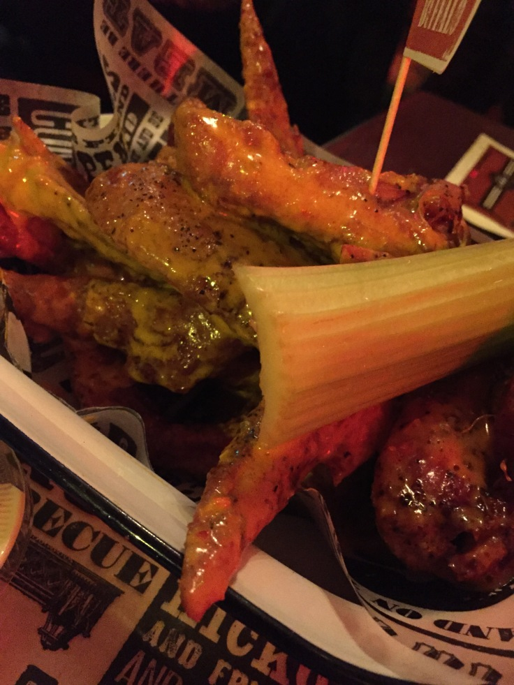Red's True BBQ Buffalo Wings